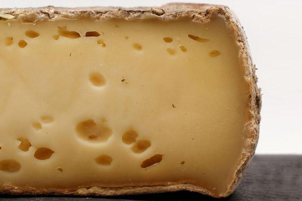 Fromage de vache AOP AOC Tome des Bauges