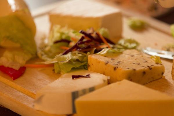 Comment découper du fromage de vache ?